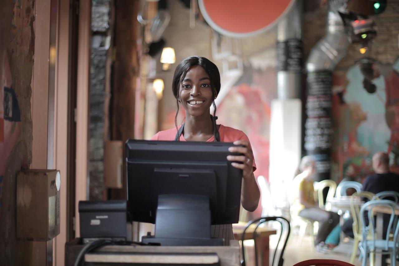 Maneiras de melhorar seu atendimento ao cliente de comércio eletrônico em 2020 (Foto de Andrea Piacquadio no Pexels)