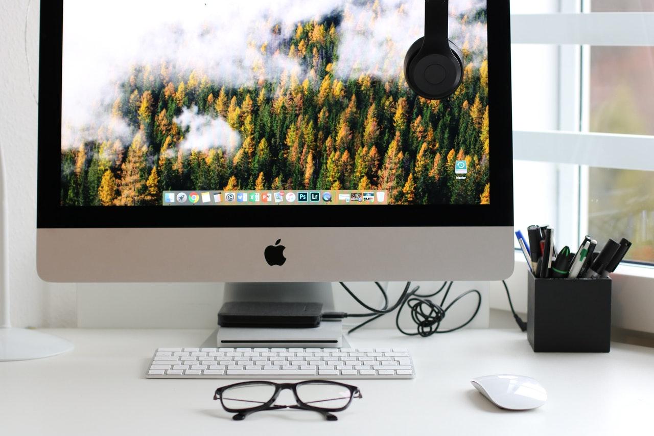 Negócios online na era da transformação digital (Foto de Dzenina Lukac no Pexels)